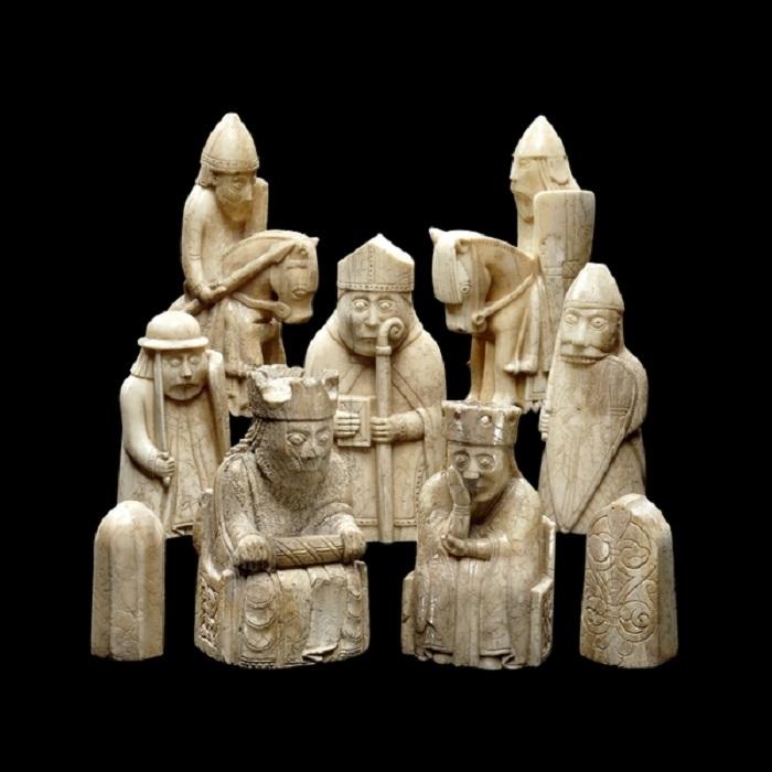 Шахматные фигуры скандинавского прикладного искусства, найденные в 19 веке на острове Льюис.